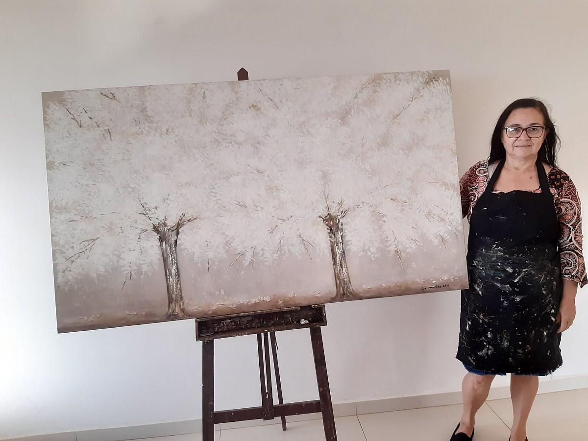Artista plástica finaliza quadros sobre Avaré que serão exportados para os EUA
