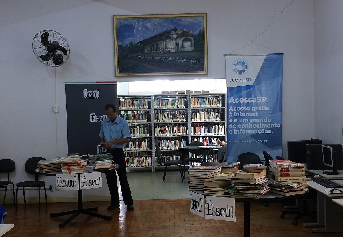 Biblioteca Municipal oferece livros de graça