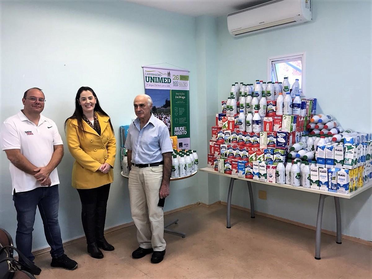 Fundo Social recebe grande doação de leite
