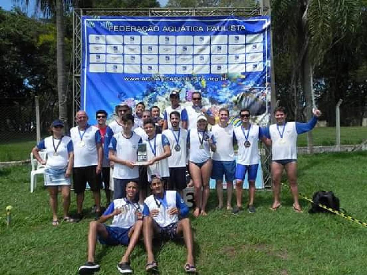 Nadadores de Avaré são vice-campeões nas Maratonas Aquáticas