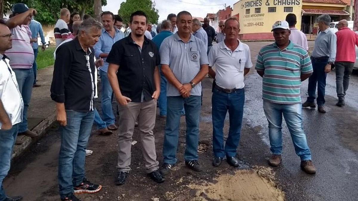 "Técnicos municipais participam de curso sobre ""Tapa Buracos"""