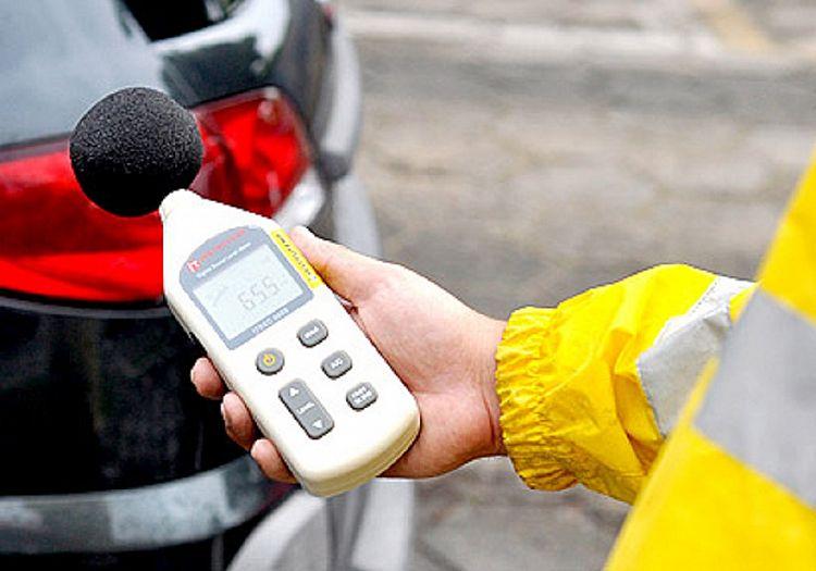 Fiscais fazem capacitação para uso do decibelímetro