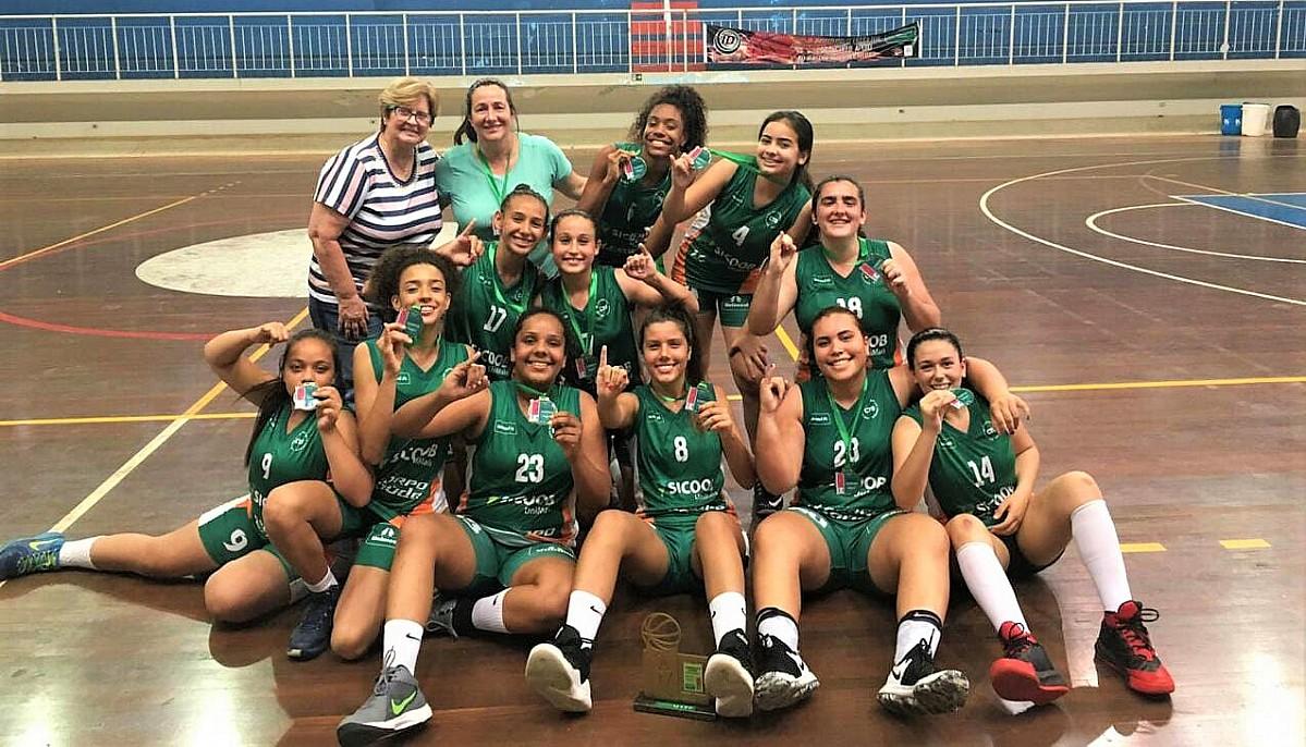 Basquete feminino é campeão da Liga Centro-Oeste Paulista