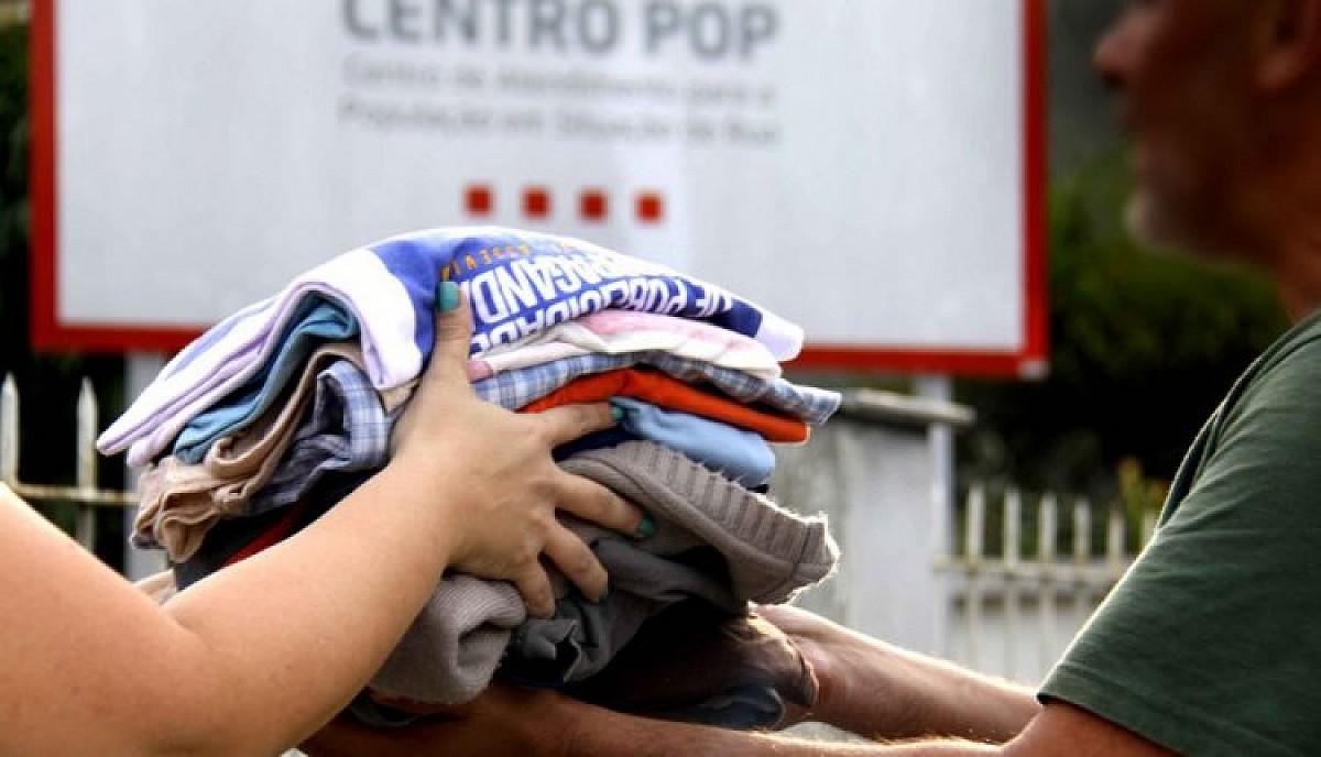 Fundo Social recebe doação de roupas infantis