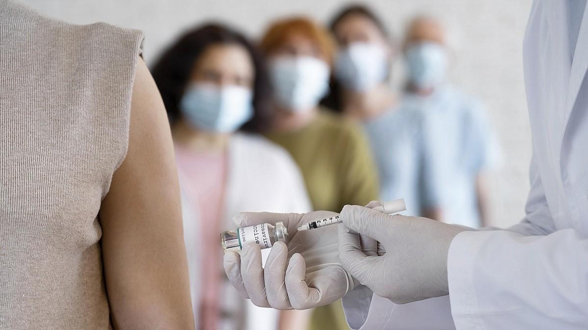 Saúde vacina contra a Covid no aniversário de Avaré