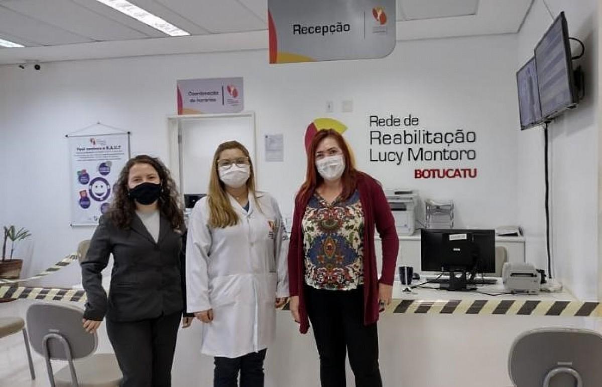 Técnicas visitam centro de reabilitação que atende pacientes de Avaré
