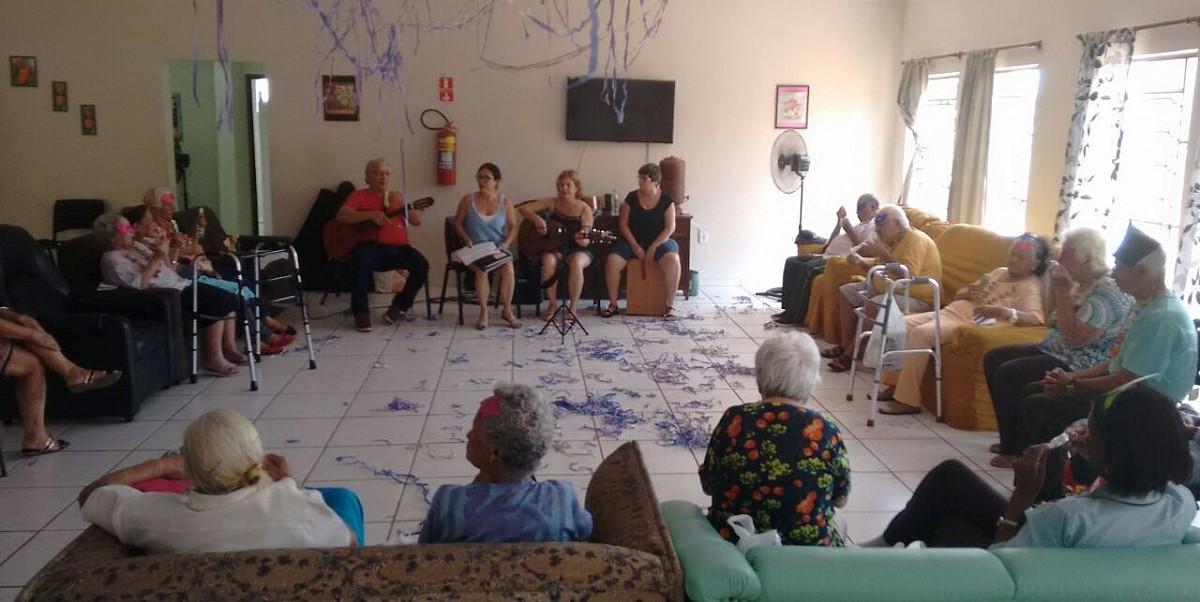 CDI comemorou o Carnaval com apresentações e diversão