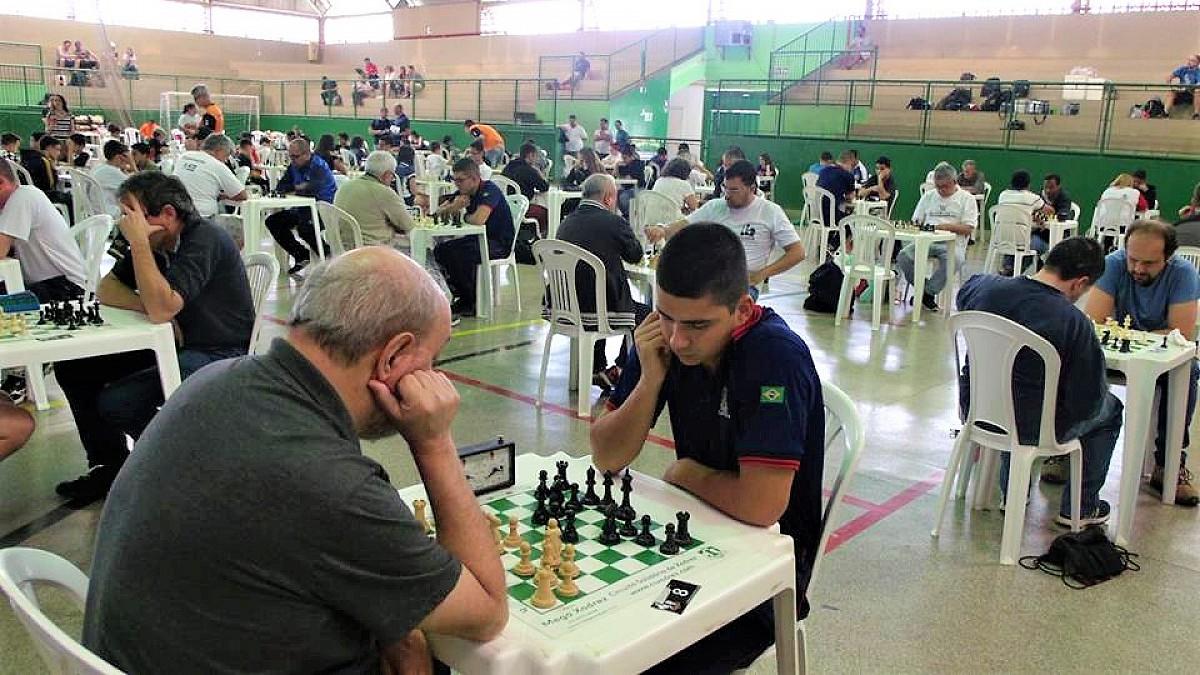 Enxadristas participam da 67ª etapa do Circuito de Xadrez