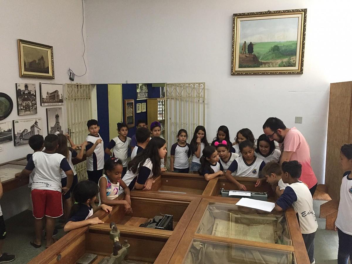 Exposição aborda origens da imprensa de Avaré