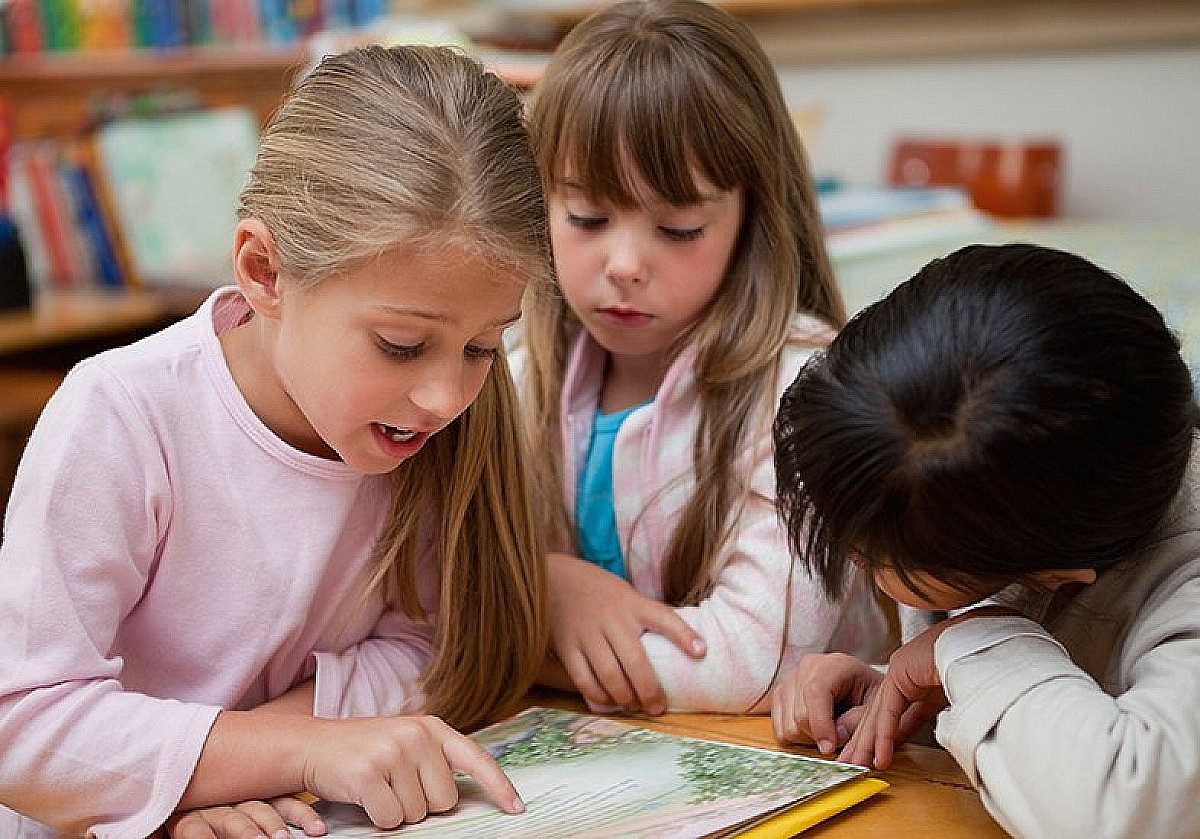Biblioteca oferece programação de férias para crianças