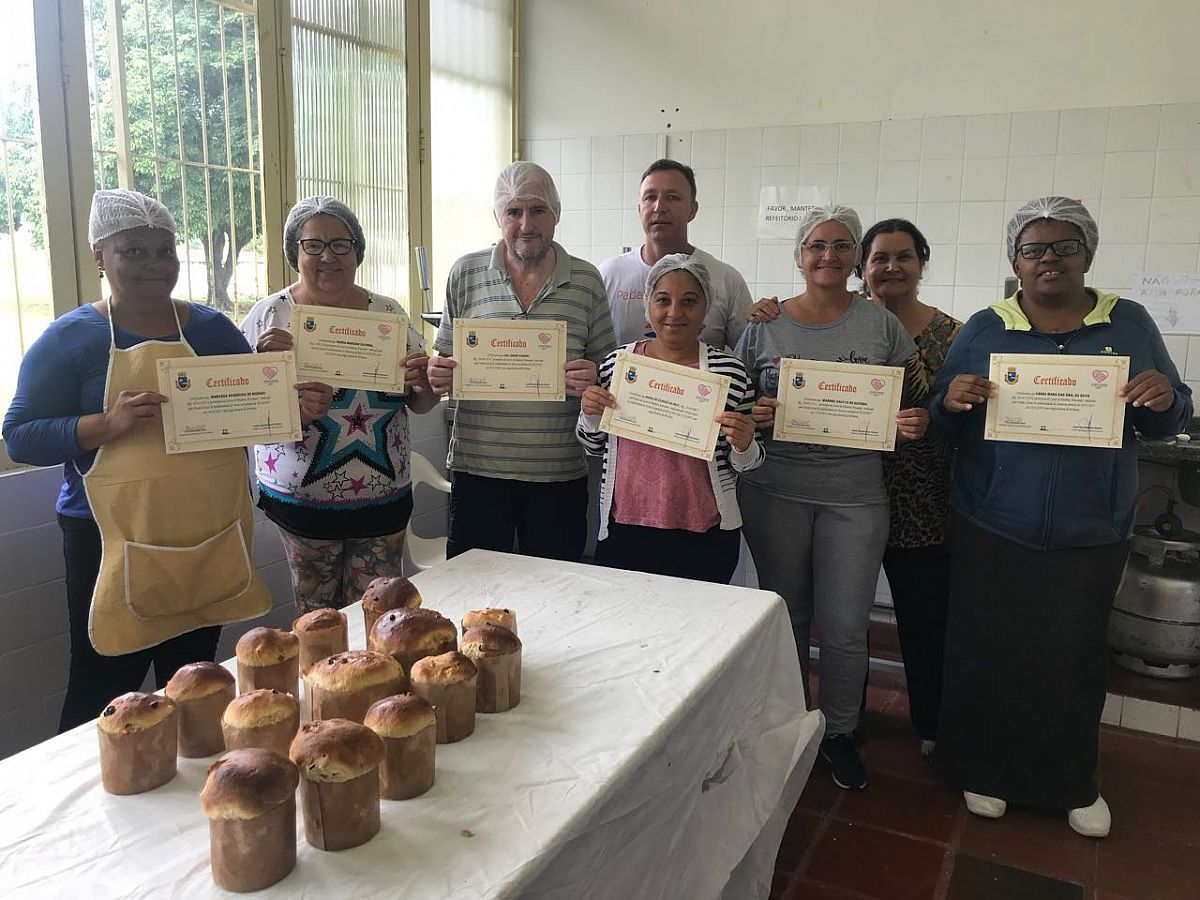 Diplomadas as primeiras turmas do Curso de Padaria Artesanal