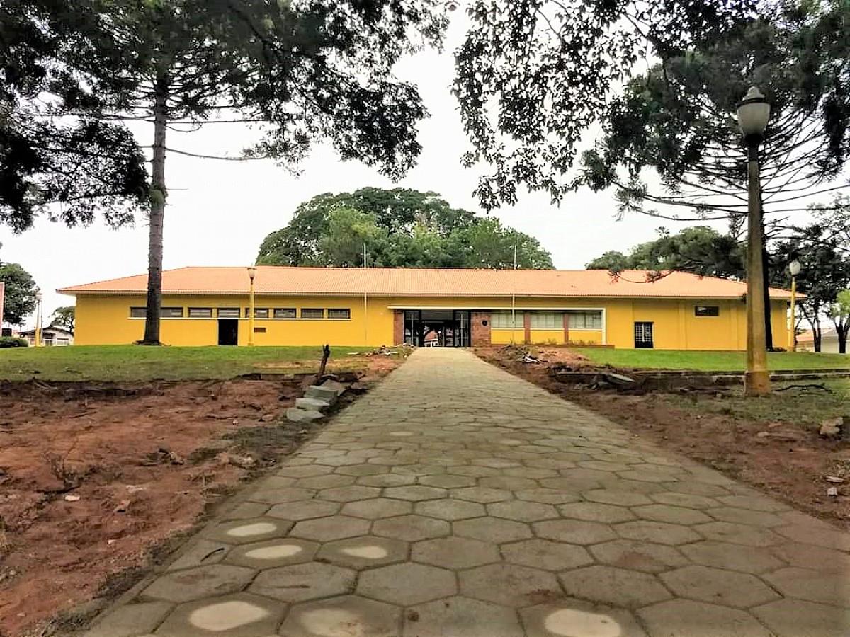 "Biblioteca Municipal lança ""Drive-Thru da Leitura"""