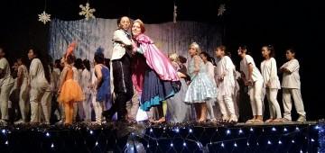 """""""O Musical Frozen"""" é visto por aproximadamente 1500 crianças"""