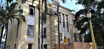 Paço Municipal ganha novo telhado
