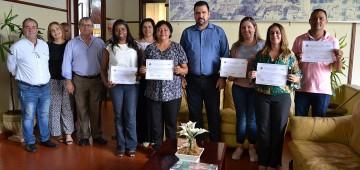Conselheiros tutelares são diplomados em cerimônia no Paço Municipal