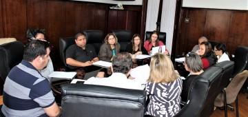 Prefeito se reúne com sindicato dos servidores e professores