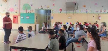 Atividade em escola municipal discute importância da coleta seletiva