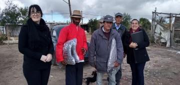 Fundo Social faz entrega de cobertores a famílias