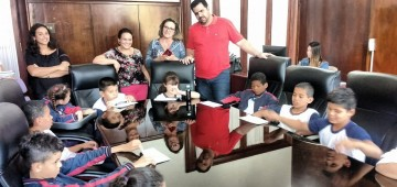 Alunos da Barra Grande visitam o Paço Municipal