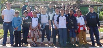 """Projeto """"Conhecer"""" ensina crianças a preservar o meio ambiente"""