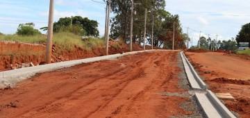 Pavimentação da Avenida Santa Bárbara entra na fase final