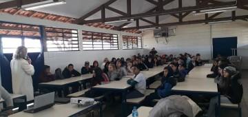 "Psicólogos ministram palestra sobre bullying na Escola ""Celso Ferreira''"