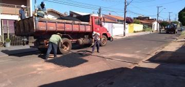 Prefeitura ampliaTapa Buraco e limpeza de margens