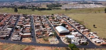 Prefeitura promove recapeamento em ruas da Vila Esperança