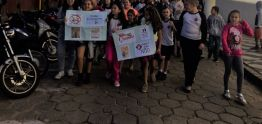 Secretaria participa da passeata contra as drogas