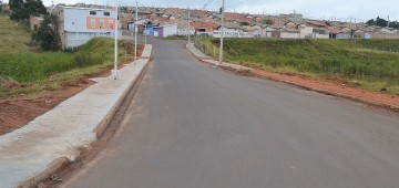 Calçada vai garantir mais segurança a moradores dos bairros Mário Bannwart e Paraíso