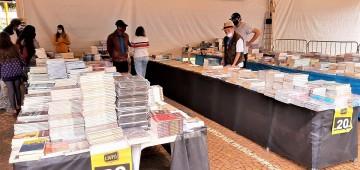 Feira do Livro segue até 15 de junho no Largo São João