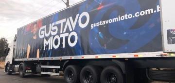 Avaré ganha 3 toneladas de alimentos do cantor Gustavo Mioto
