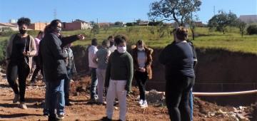 Projeto ambiental leva alunos para conhecer ações municipais contra erosões