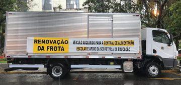 Central de alimentação recebe novo caminhão-baú