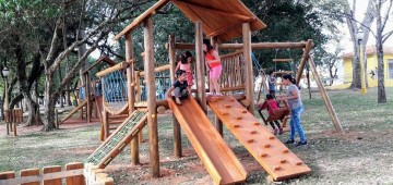 Novo playground é inaugurado no bosque do CAIC
