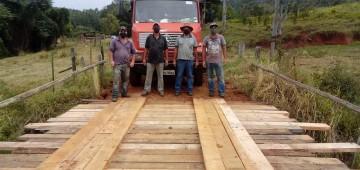 Munício recupera pontes localizadas na zona rural