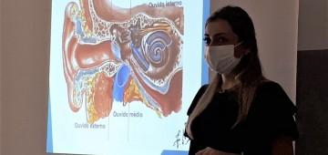 Equipe da Educação Especial participa de capacitação sobre fisiologia do ouvido