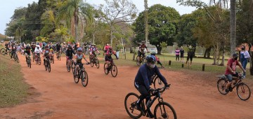Pedalada Ecológica reúne mais de 130 ciclistas no Horto