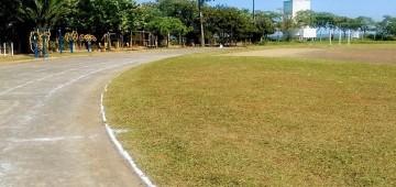 No feriado houve manutenção do Campo e da Pista Municipal