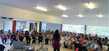 Auxiliares infantis recebem capacitação pedagógica