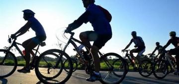 Passeio ciclístico da Vigilância Sanitária alerta sobre riscos da dengue