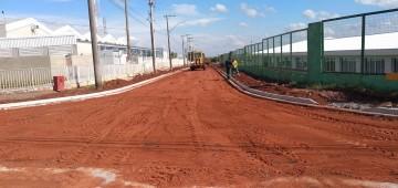 Pavimentação em rua vai ampliar acesso a avenidas no Jardim Europa