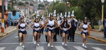 Tradicional desfile festivo comemora 158º aniversário de Avaré