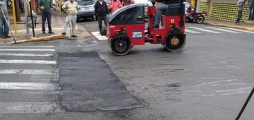 Ruas do centro recebem Operação-Tapa Buraco