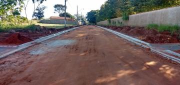 Pavimentação vai facilitar acesso à unidade de saúde no Bairro Ipiranga