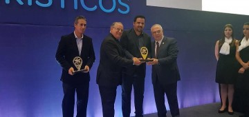 """Avaré recebe o prêmio """"Top Destinos Turísticos 2017"""""""