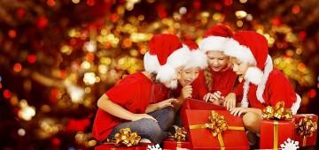 Plantão cadastra crianças para recebimento de brinquedo na Festa de Natal