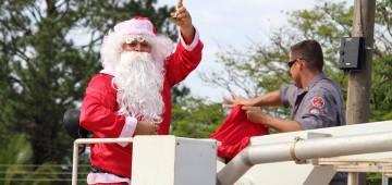 Papai Noel vai chegar de paraquedas no Natal das Crianças