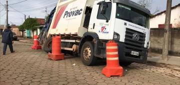 Acidente com caminhão não prejudica coleta de lixo em Avaré