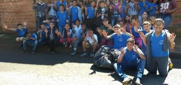 Alunos da Escola Padre Emílio Immoos plantaram árvores